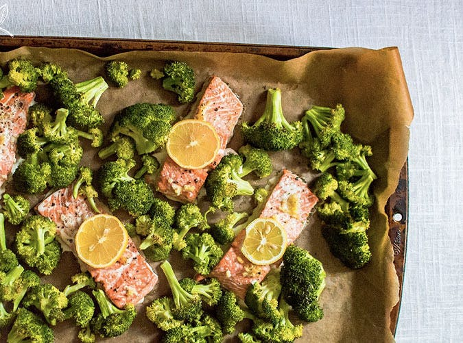 whole30 sheet pan recipes salmon broccoli lemon 501