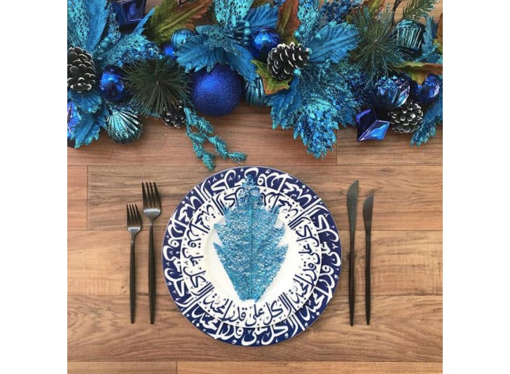 16 Brilliant Christmas Table Decoration Ideas Purewow