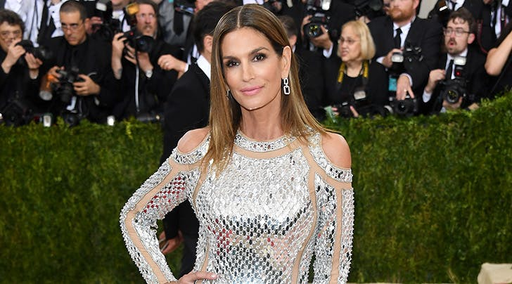 Cindy Crawford Knows Shes Aging (and Yes, Wed Kill to Age Like That)