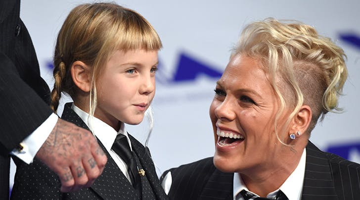 The Dating Advice Pink Gave Her Daughter Is So Good We're Forwarding It to Deb in Accounting
