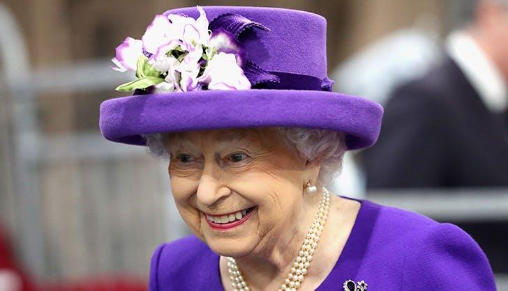 Queen Elizabeth cake replica 2