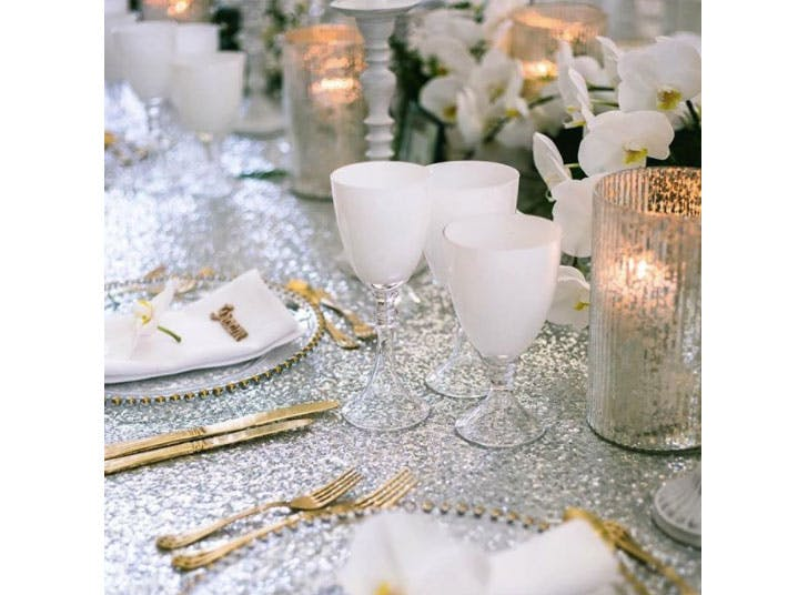 White Christmas table decorations2