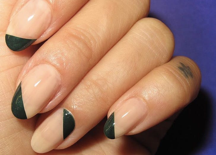 alternating diagnols nails list