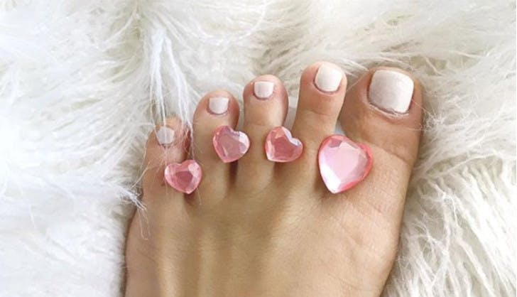 beauty stocking stuffers toe separators