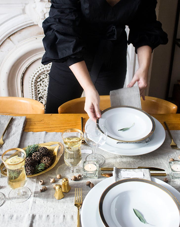 How To Throw A Cozy Winter Dinner Party For 20 Purewow