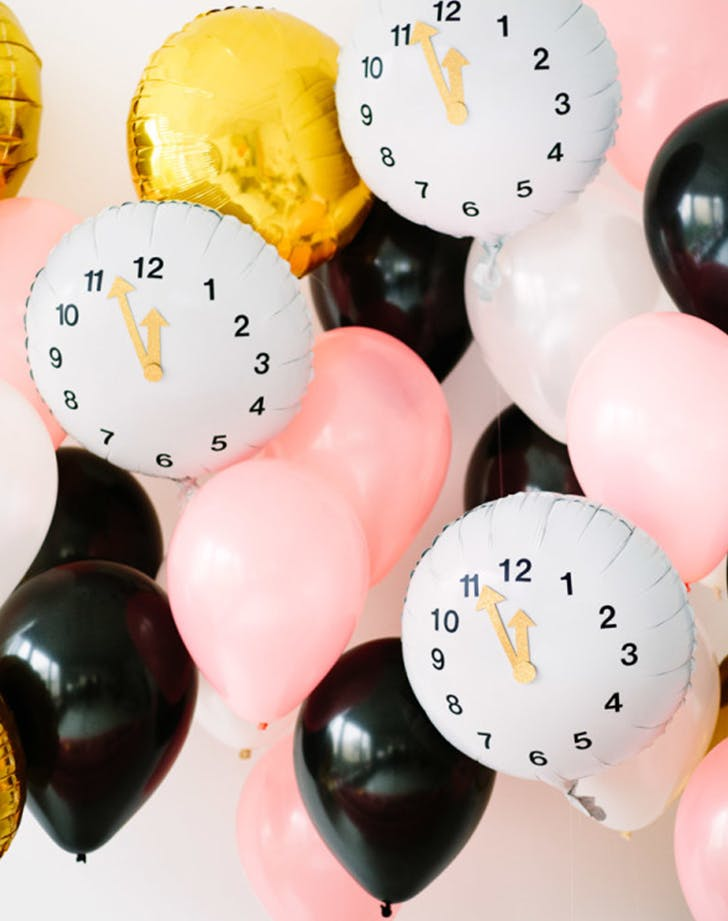 diy clock balloon