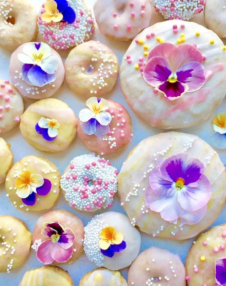 donuts edible flowers 921