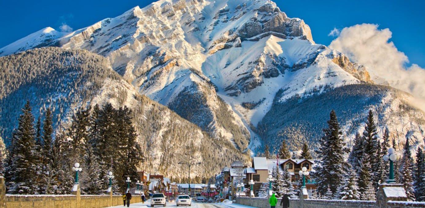lake louise banff alberta cananda best ski resorts in the world