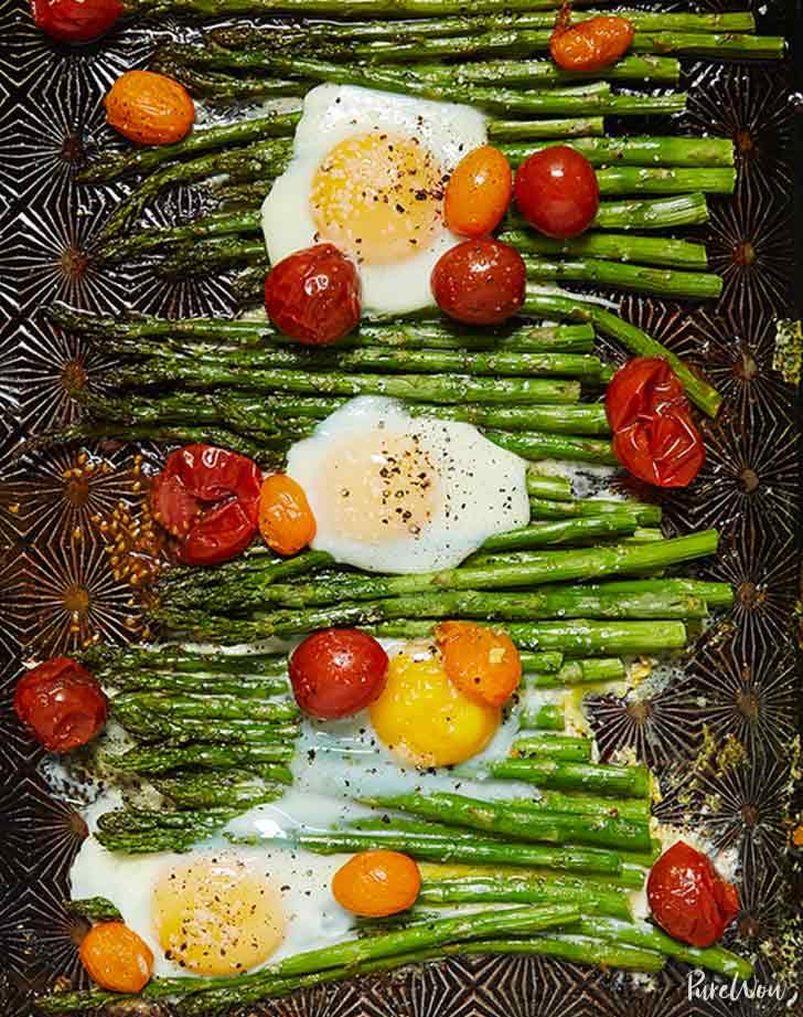 paleo sheet pan dinner eggs tomatoes asparagus1