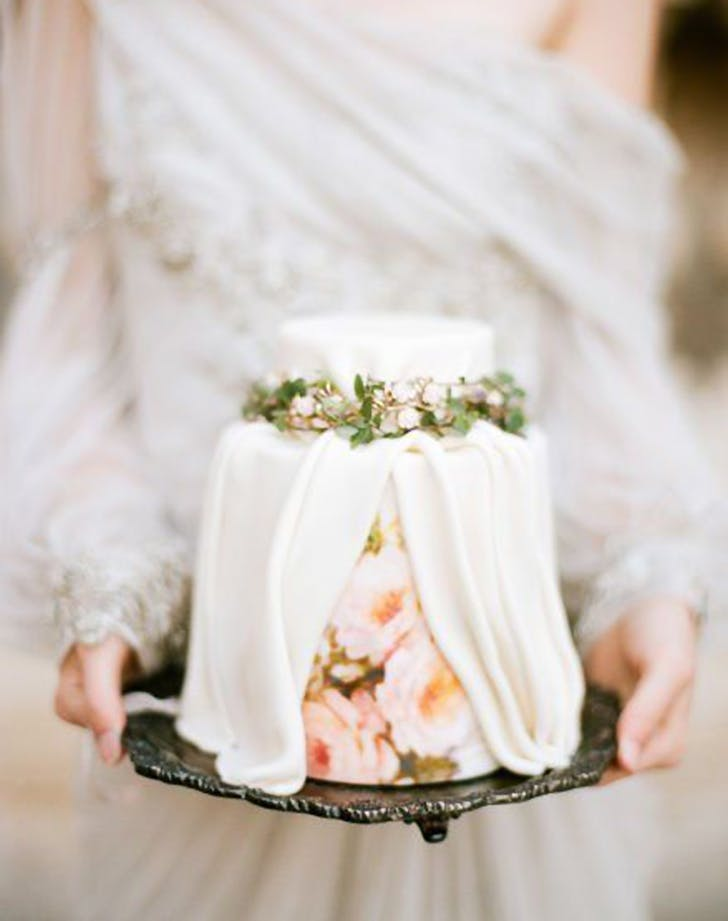 pleated wedding cake trend 4
