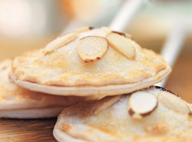 pumpkin cheesecake pie pops 21
