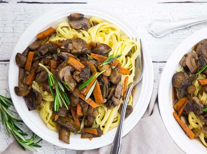 vegan slow cooker mushroom bourguignon