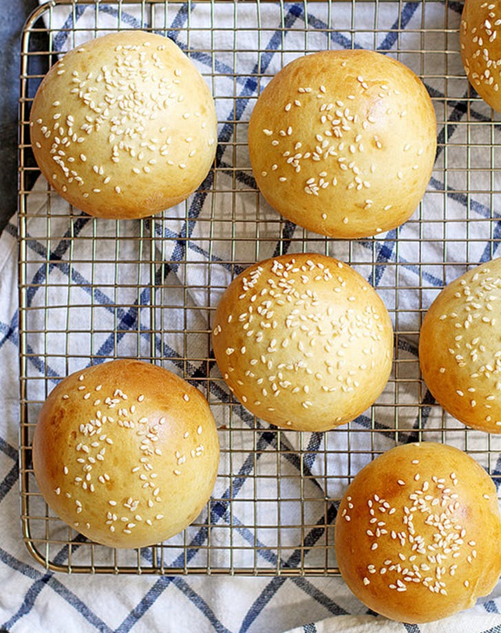40 Minute Super Soft Hamburger Buns easy bread recipes