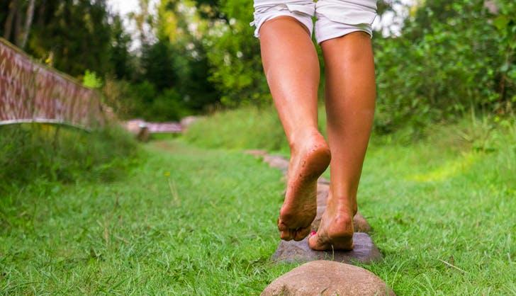 Barefoot Walk 728x524