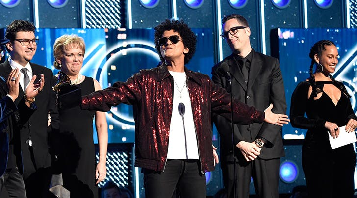 Grammy Awards 2018: Bruno Mars Wins Album of the Year