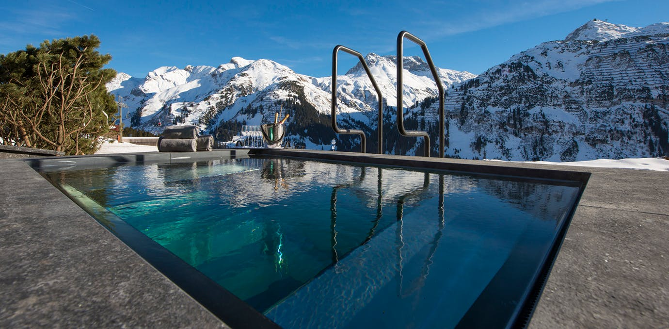 9 Luxe Winter Escapes with Insane Hot Tubs - PureWow