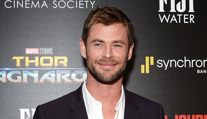 Chris Hemsworth golden globes copy