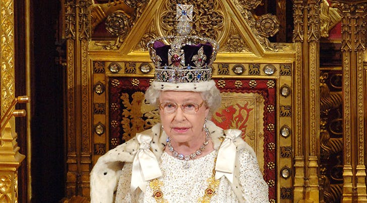 Gasp! Queen Elizabeth Reveals the 1 Disadvantage of Wearing the Crown