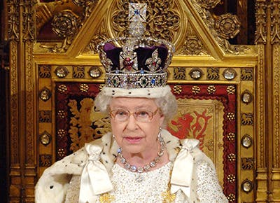 Queen Elizabeth disadvantage to wearing the crown 400