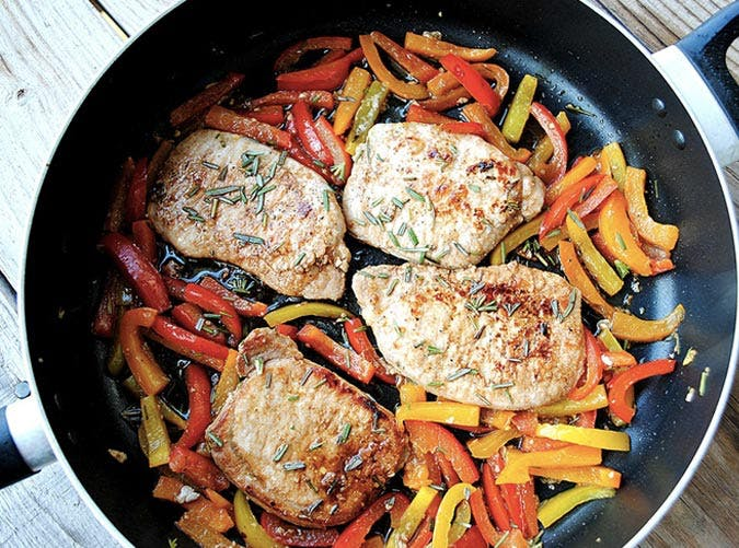 clean eating pork chops with balsamic peppers recipe