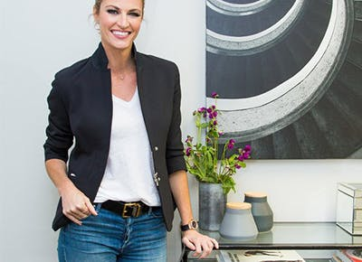 erin andrews tips for styling jeans and a tshirt 400