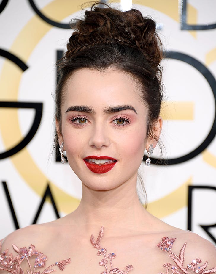 golden globes beauty lily collins