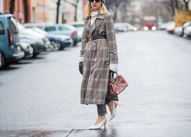 how to wear kiten heels plaid coat