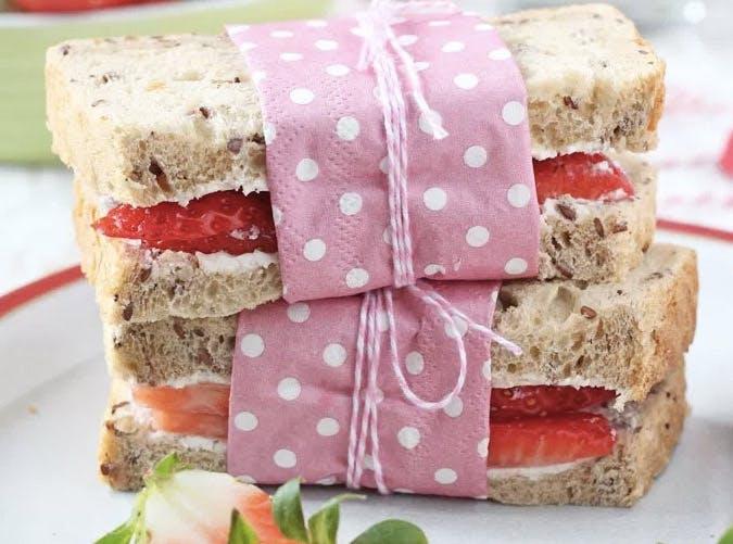 kids allergy free strawberry cream cheese sandwich recipe