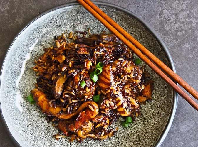 salmon belly wholegrain rice pot