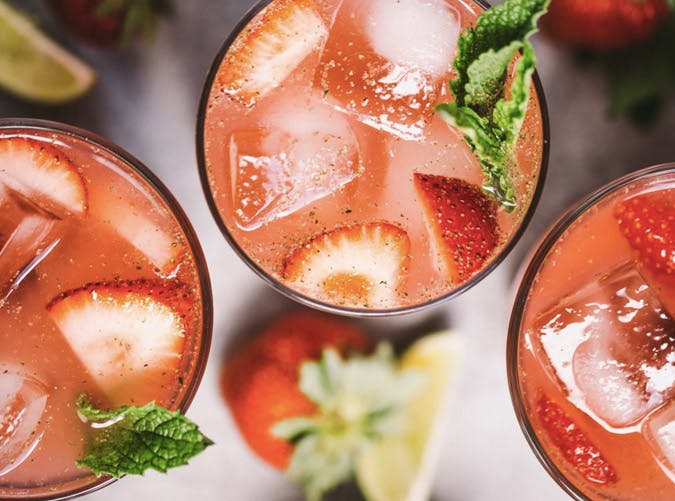 super bowl cocktail recipes strawberry mojito