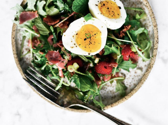 whole30 breakfast baby greens bacon bowl recipe