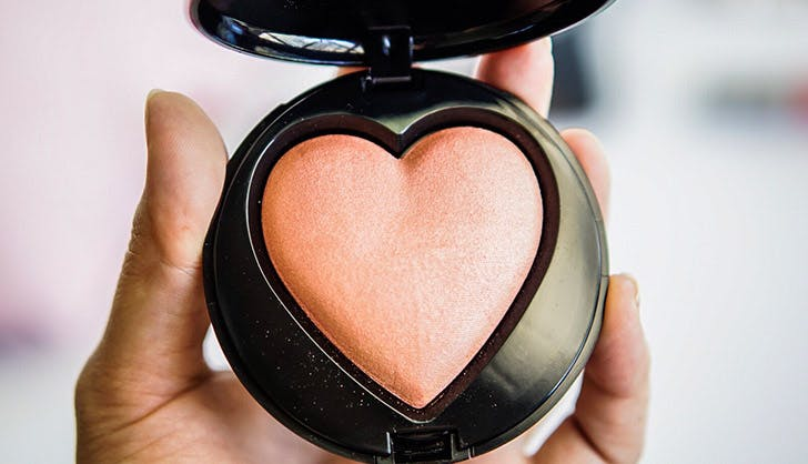 BeautyBlender to remove too much blush