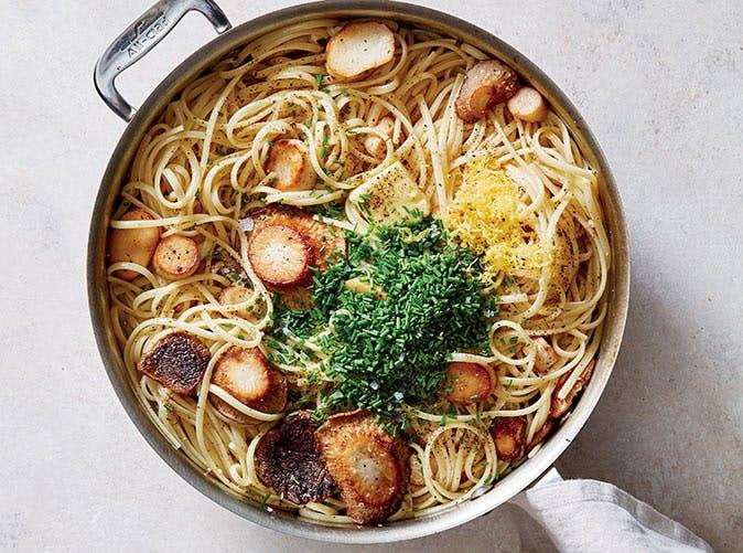 Easy Skillet Linguine with Trumpet Mushroom Scallops recipe
