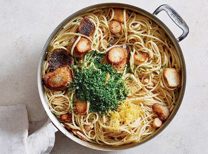 Easy Skillet Linguine with Trumpet Mushroom  Scallops  recipes for two people