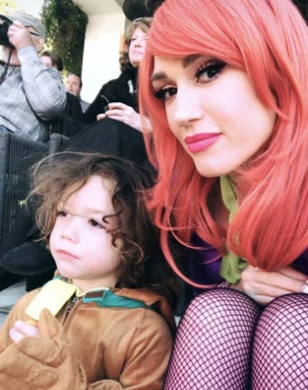 Gwen Stefani dressed as Daphne from Scooby Do with son