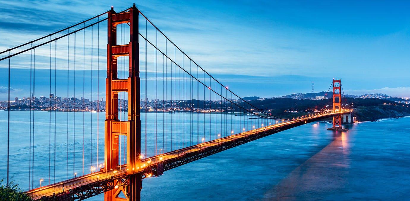 San Francisco Golden Gate Bridge at night
