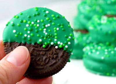 St. Patricks Day Oreos Crafts for Kids 400