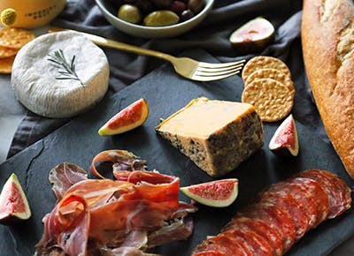 aldi cheese and charcuterie plate 290