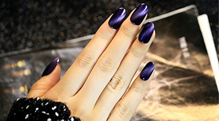 Cat Eye Manicures Are Trending And Theyre Not What You Think