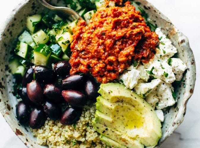 mediterranean quinoa bowls roasted red pepper sauce