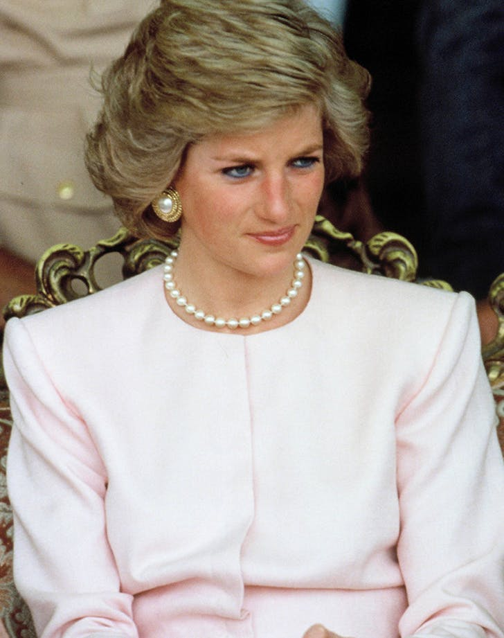 princess diana wears statement earrings in 1989