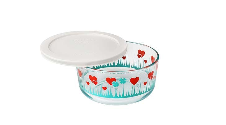 Holy Kitsch: Pyrex Is Rereleasing Its Iconic Lucky in Love Pattern