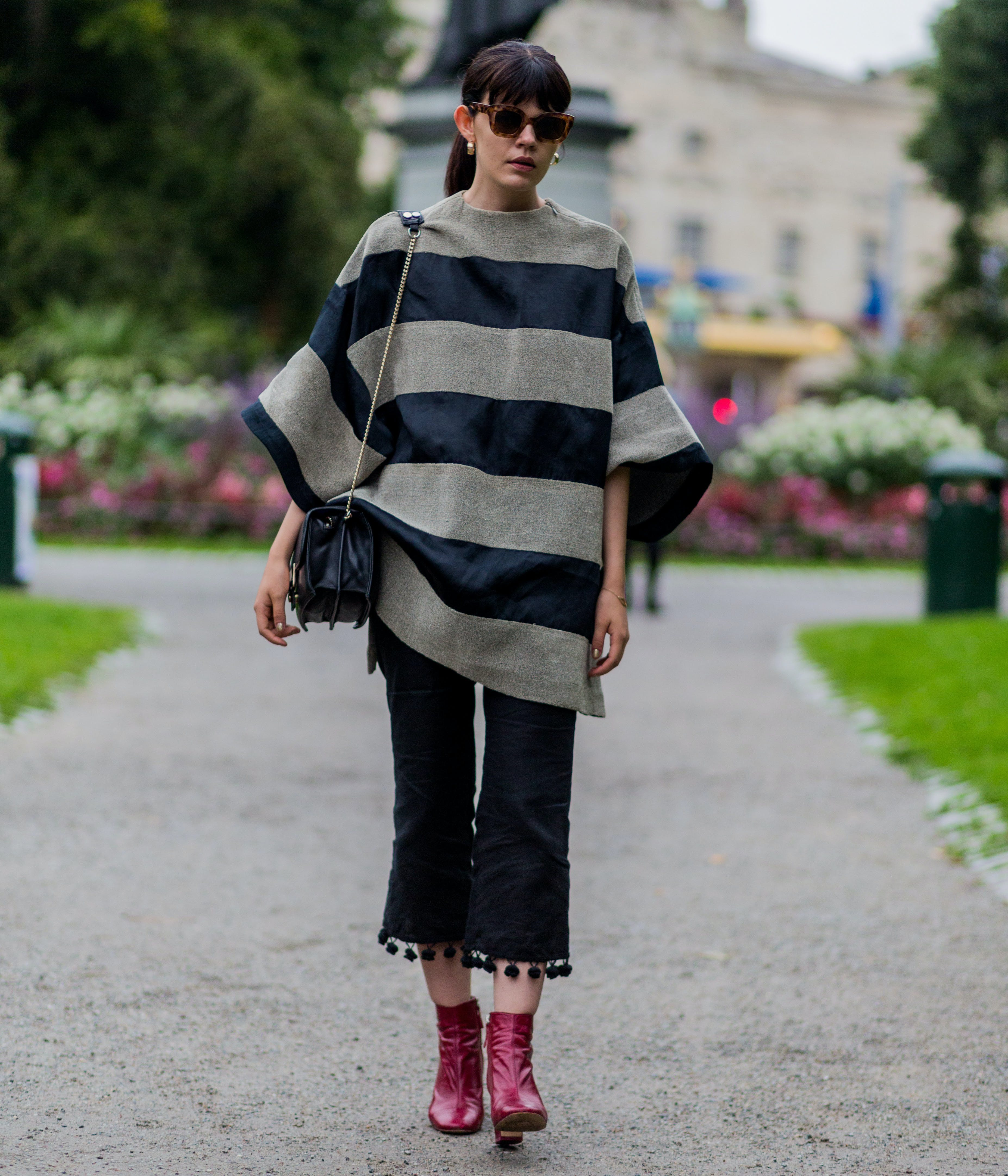 wear an oversize tunic with cropped pants