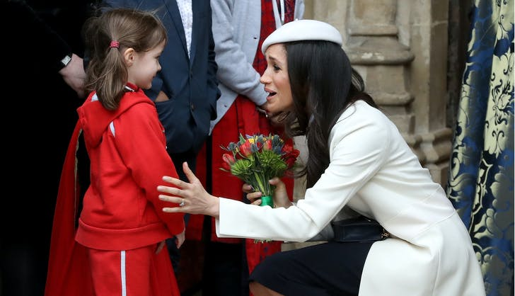Meghan Markle bonds with little girl