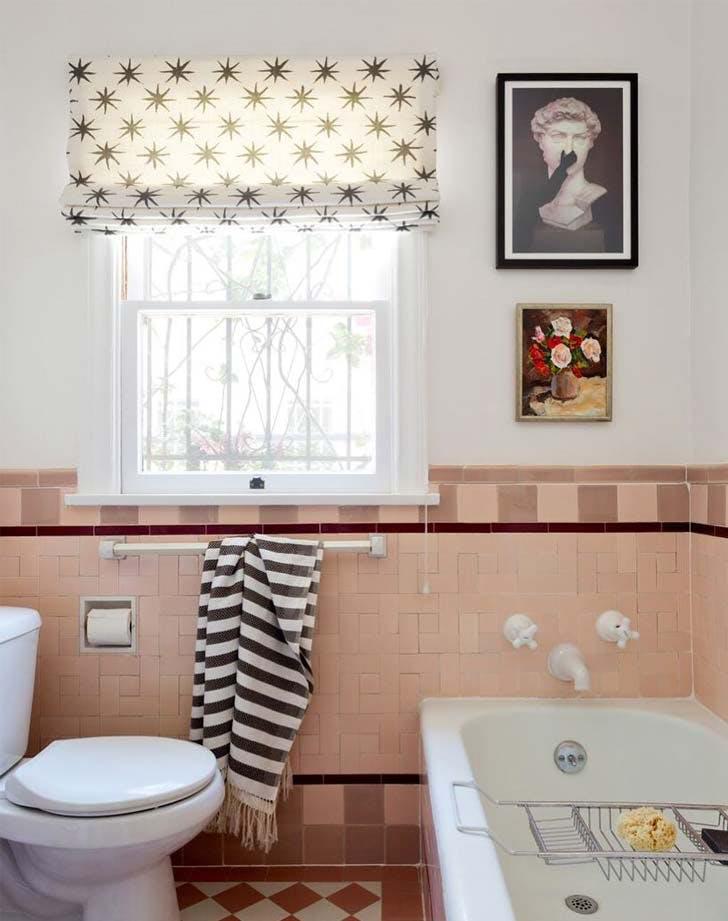 bathroom gallerywall