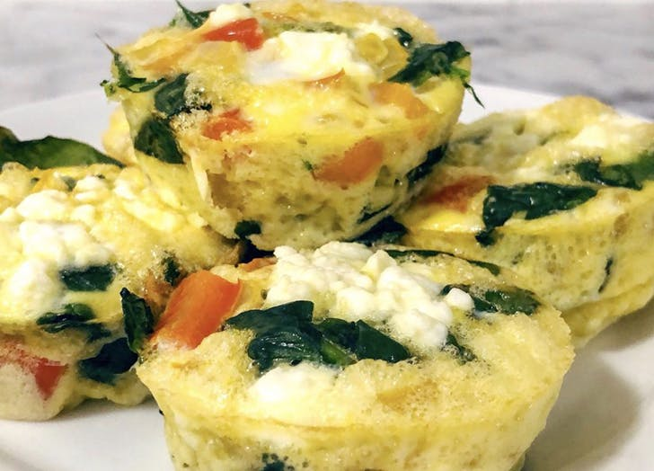 egg muffins with tomatoes and spinach