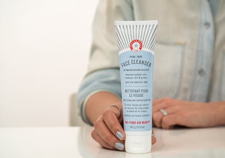 first aid beauty skin cleanser