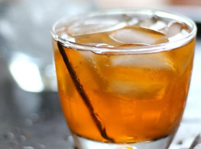 low carb vanilla old fashioned cocktail