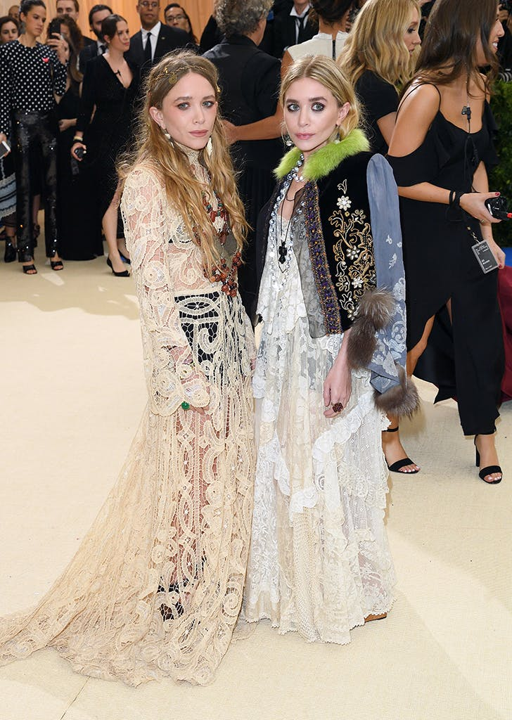 mary kate and ashley olsen wearing gowns at the met gala