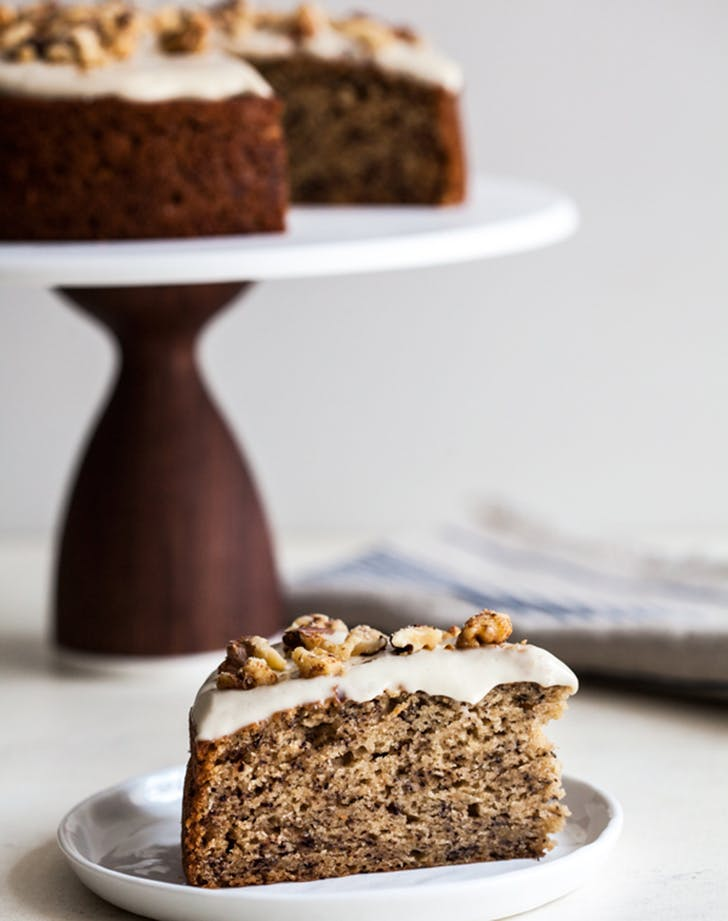 Old-Fashioned Vegan Banana Cake with Creamy Cashew Frosting